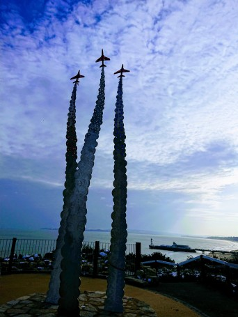 Sculpture memorial to the Red Arrows